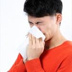 水みたいな鼻水が止まらない!花粉症と鼻水の関係