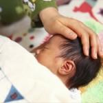 新生児のお腹がゴロゴロするのは何故?気になる原因と対処方法