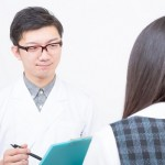 胃が痛いときは何科に行く?誤診を防ぐための注意点と病院選び!